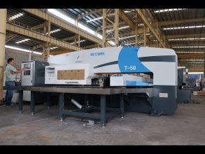 cnc hydraulic turret punch press alang sa 30 tonelada nga cnc punching press machine